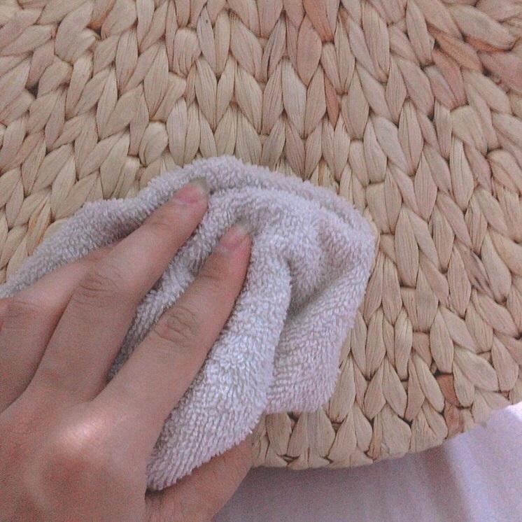 Hướng dẫn bảo quản và vệ sinh túi xách lục bình
