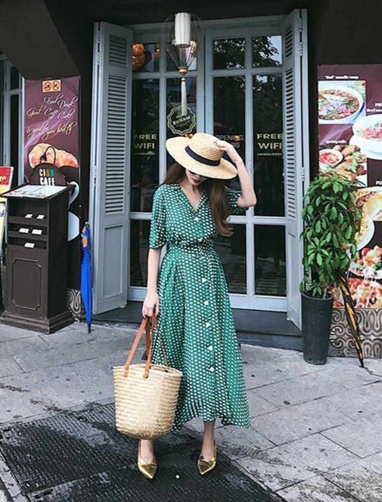 mix đồ thời trang giữa túi và trang phục