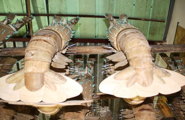 thổi hồn vào tôm hùm làm bằng tre giống thật đến lạ kỳ