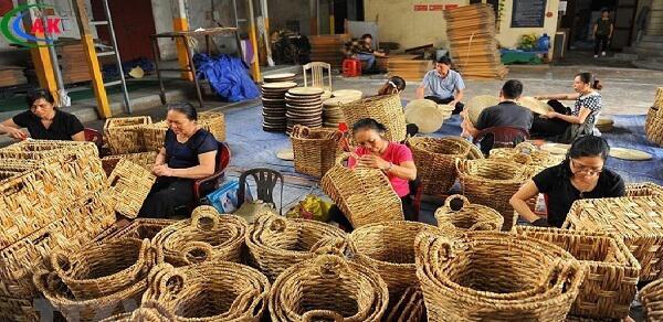 Knitting hyacinth bags