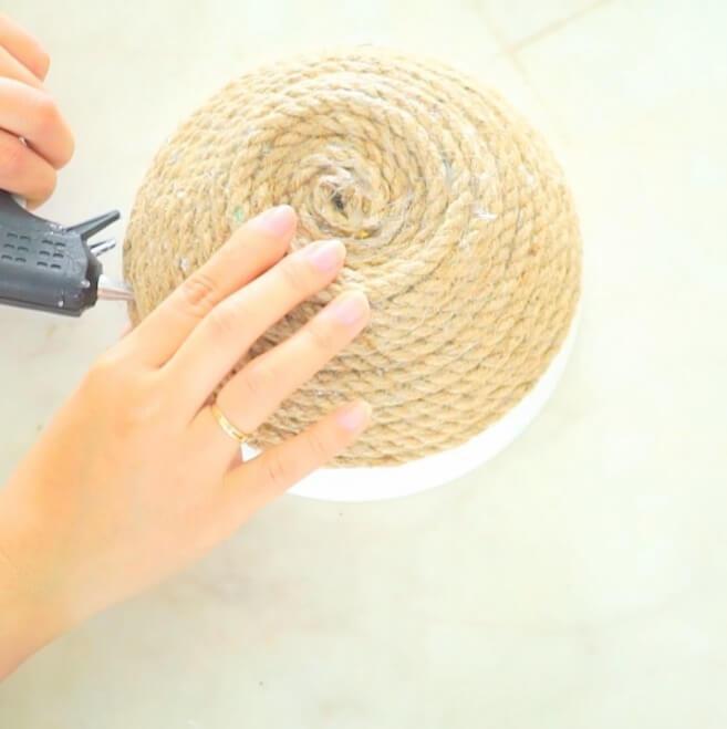 cuộn sợi dây theo hình bát